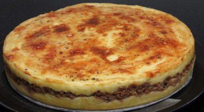 Очень вкусная картофельная запеканка с мясом похожа на торт!