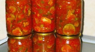 Невероятно вкусные огурцы кольцами в томатном соусе