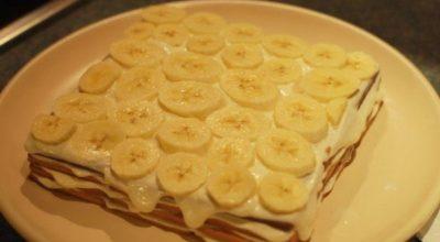 Обaлдeнный торт с бананами без выпечки… Через 15 минут муж не мог оторваться от тарелки!